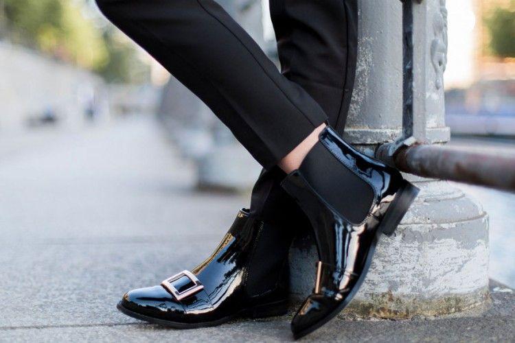 Cara Mudah Atasi Sol Sepatu atau Sandal yang Licin