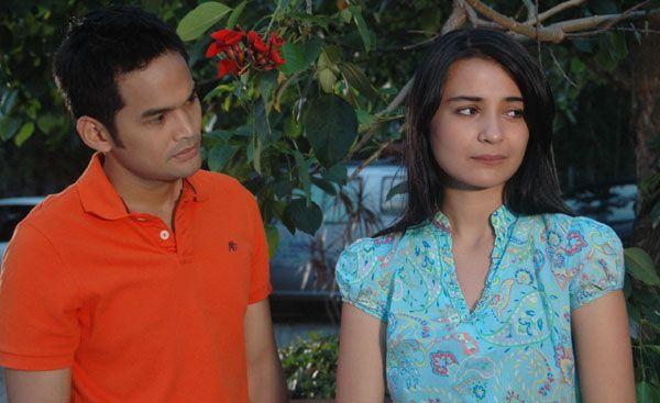 Gaya 7 Pasangan Ikonik Sinetron Indonesia, Bikin Baper Satu Negara!