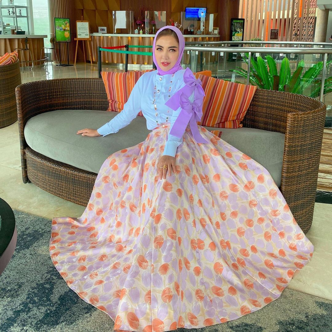 Gaya Artis Indonesia yang Jadi Istri Kedua, Sederhana hingga Glamor!
