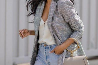 Inspirasi OOTD Pakai Blazer Kotak-kotak Celana Jeans
