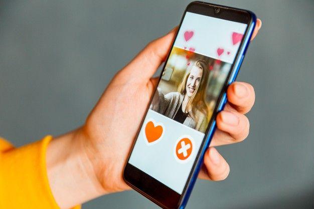 Nggak Canggung Lagi, Ini 7 Tips Ngobrol di Aplikasi Kencan