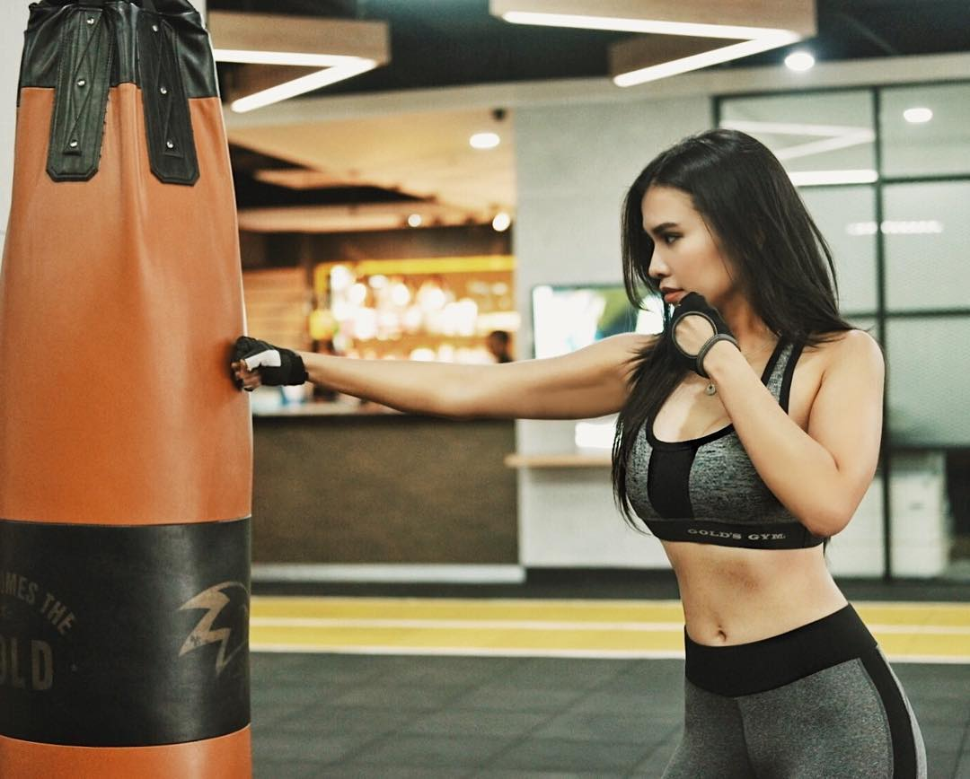 Seksi Sekaligus Bugar, Intip Aksi Seleb Ketika Olahraga Bela Diri!