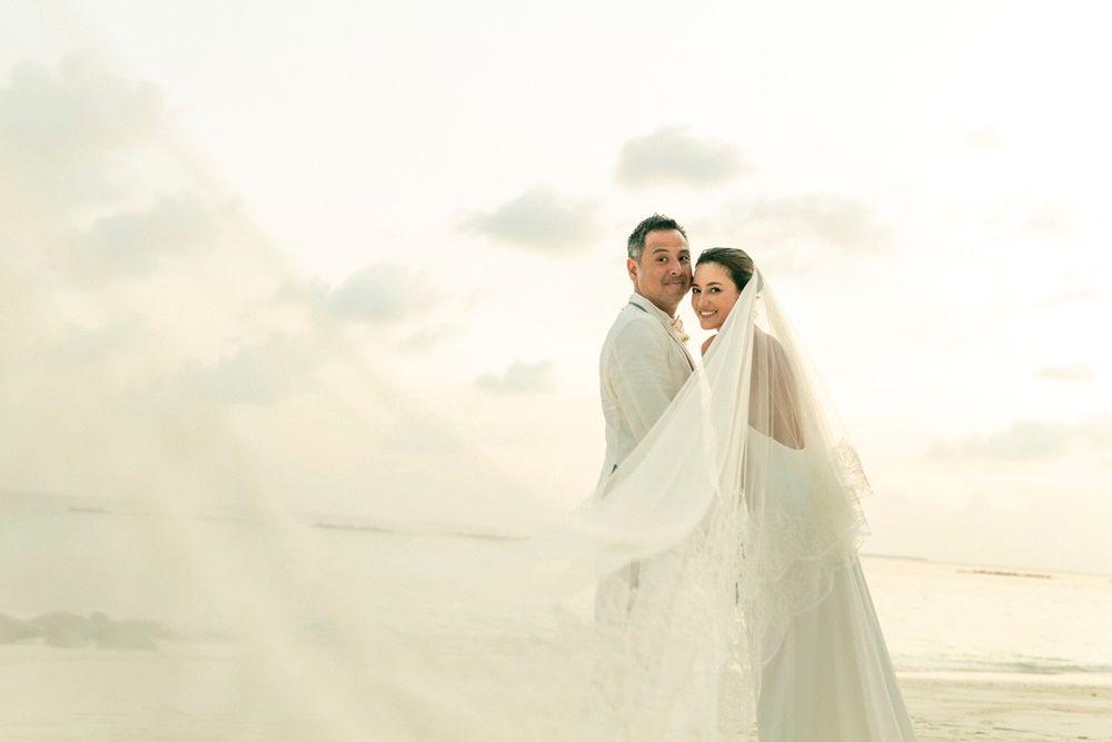 Menikah di Maldives, 6 Momen Bahagia Julie Estelle dan David Tjipto