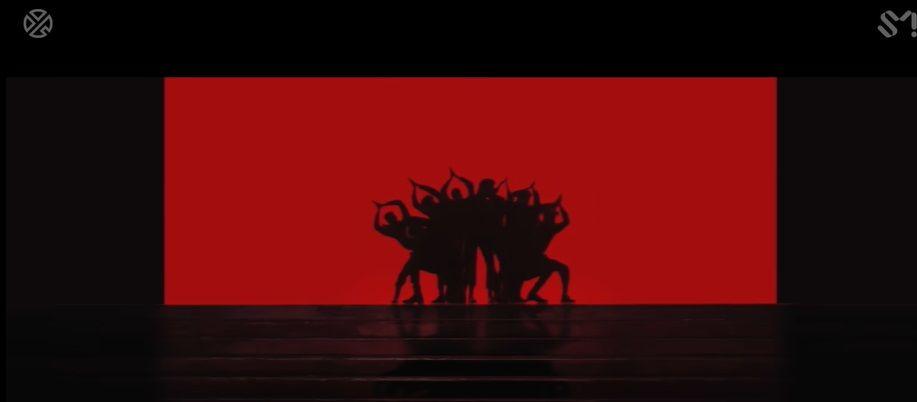 Plagiat? Ini Foto Bukti Kesamaan Video Klip Young Lex dan Lay Zhang