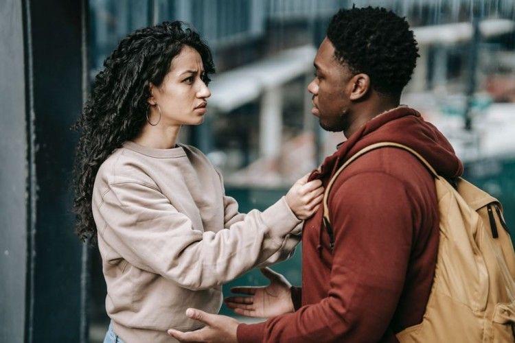 Ingin Hubungan Langgeng? Hindari 5 Sikap Negatif Ini dengan Tegas