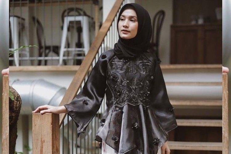 Inspirasi Outfit Baju Bodo a La Hijabers untuk Pakai ke Pesta