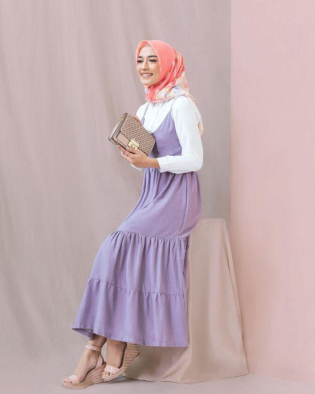 Kekinian Banget! Inspirasi OOTD Warna Lilac untuk Perempuan Hijab
