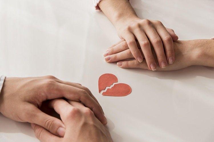 Tak Perlu Dipertahankan, Ini 5 Tanda Sudah Saatnya Hubunganmu Berakhir