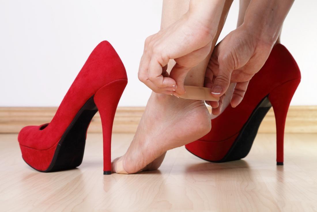 Tips & Trik untuk Tetap Nyaman Seharian Pakai Sepatu Hak Tinggi