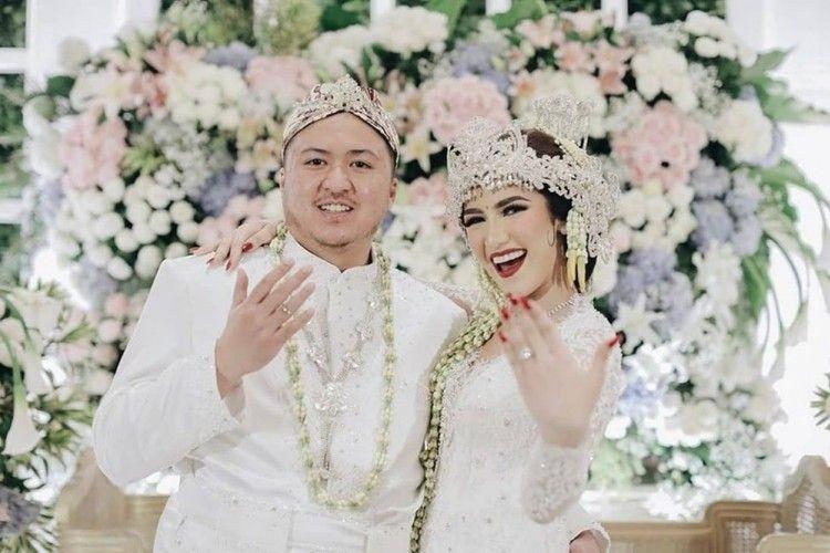 Menikah di Usia 18, Intip 10 Momen Bahagia Syahra Larez dan Suami