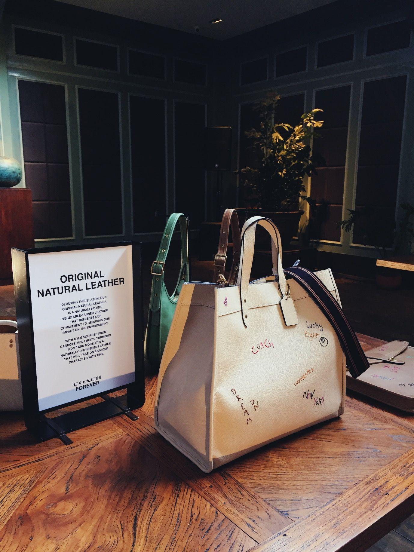 Mengintip Koleksi 'Coach Forever' Favorit Luna Maya & Rio Dewanto