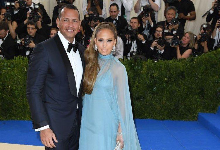 Dikabarkan Putus, Ini 9 Fakta Hubungan Jennifer Lopez & Alex Rodriguez