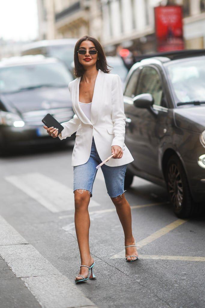 Tips Memakai Busana Oversized untuk Perempuan Bertubuh Mungil