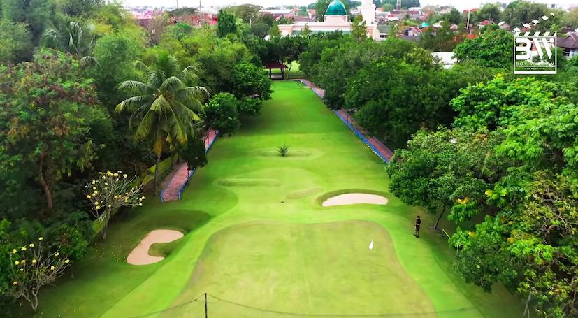 Ada Lapangan Golf,10 Potret Mewah Rumah Presenter Ovi Dian