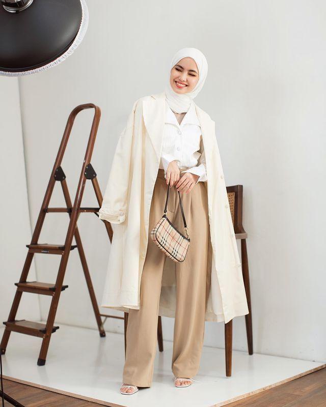 Tips Padu-padan Hijab Putih untuk OOTD Stylish & Beda dari Biasanya!