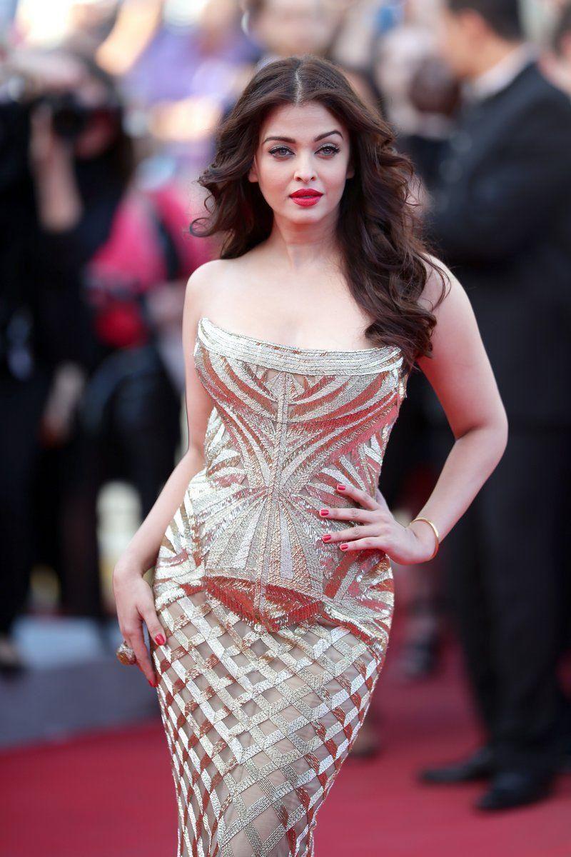 7 Gaya Seksi Artis Bollywood yang Pernah Jadi 'Kekasih' Shah Rukh Khan