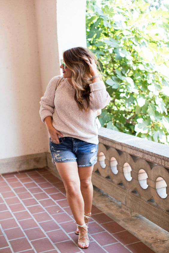 Padu-padan Sweater untuk Tubuh Gemuk