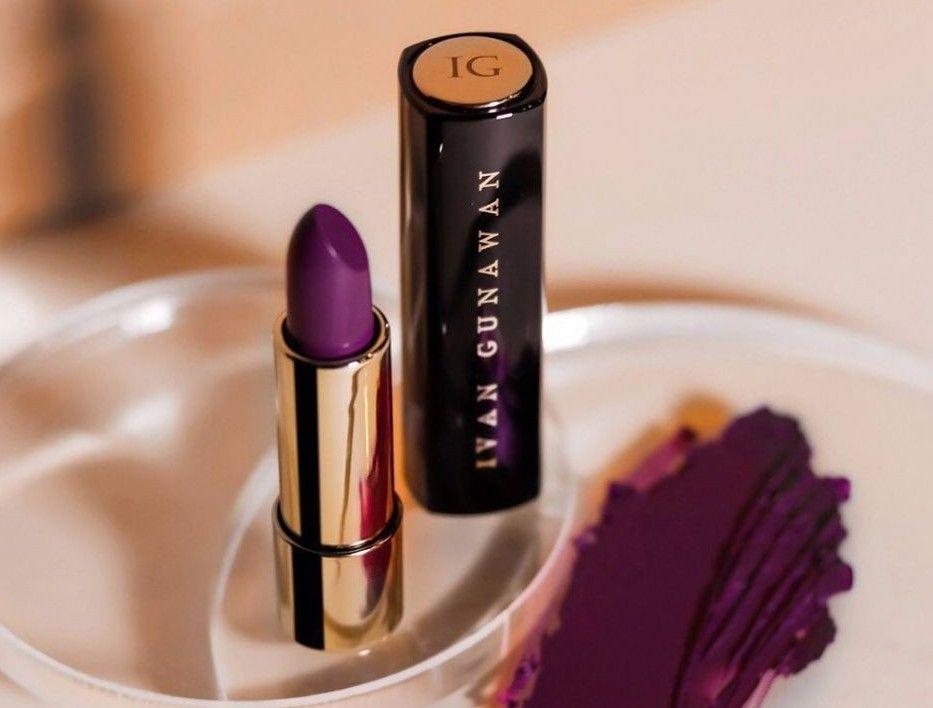 8 Lipstik dari Brand Kosmetik Artis yang Wajib Kamu Coba