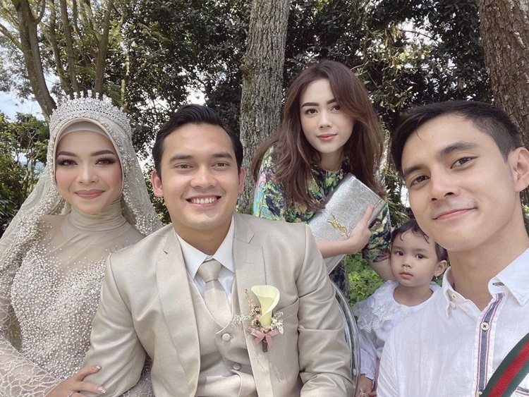 Bersahabat, 10 Momen Pemain Ikatan Cinta Hadiri Pernikahan Ikbal Fauzi