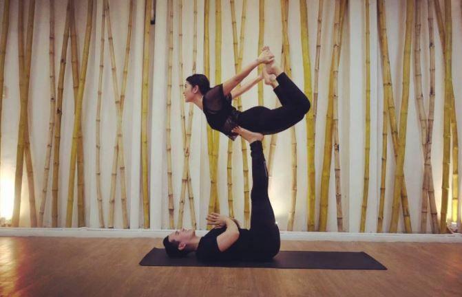 Deretan Potret Artis yang Gemar Yoga, Cantik Luar Dalam!