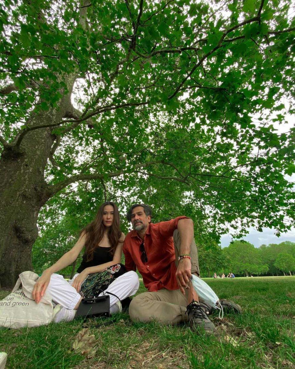 Potret Romantis 10 Raja Sinetron Era 90-an Bareng Istri, Awet Mesranya
