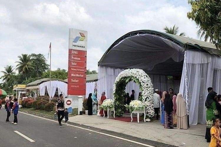 9 Momen Kocak Resepsi Pernikahan Orang Indonesia, Bikin Ngakak!