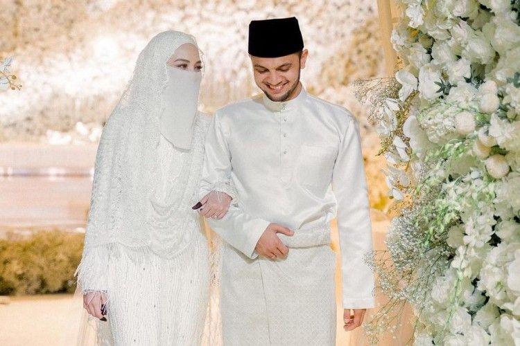 9 Potret Mewahnya Pernikahan Adik Ipar Engku Emran, Jadi Sorotan!