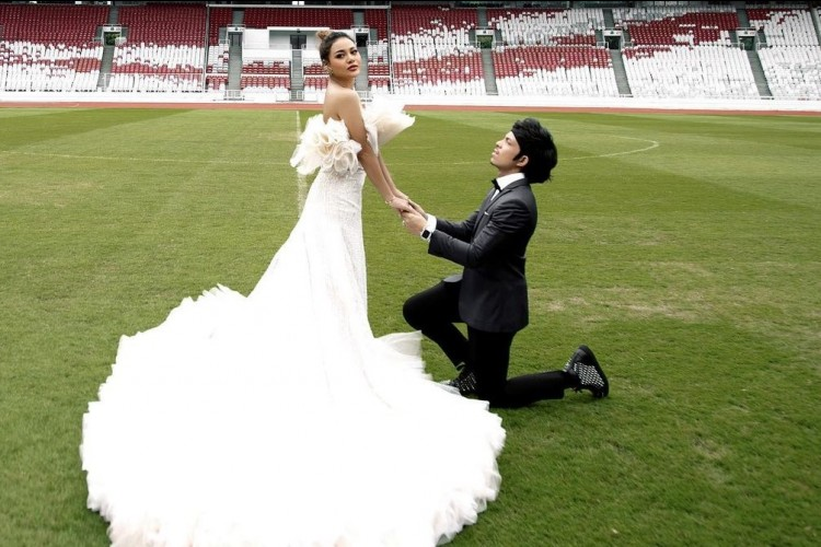 Gaya Pre-Wedding Aurel Hermansyah & Atta Halilintar, Mesra Banget!