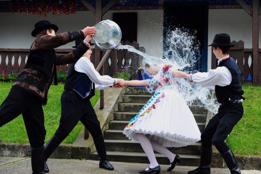10 Tradisi Perayaan Paskah Paling Unik dari Berbagai Negara