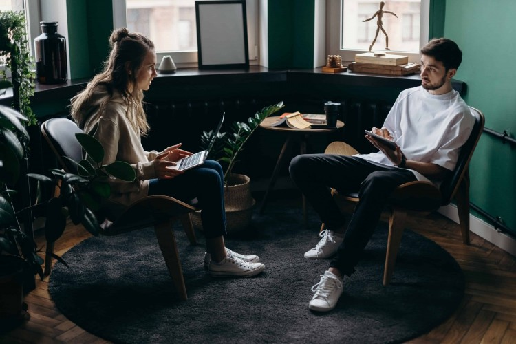 9 Tips Cerdas Membahas Keuangan dengan Pasangan