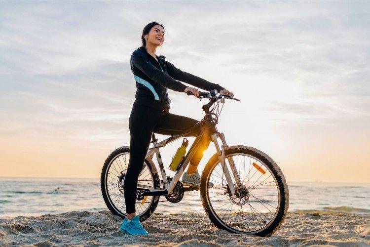 Manfaat Bersepeda Bagi Perempuan, Bikin Langsing Sekaligus Bahagia