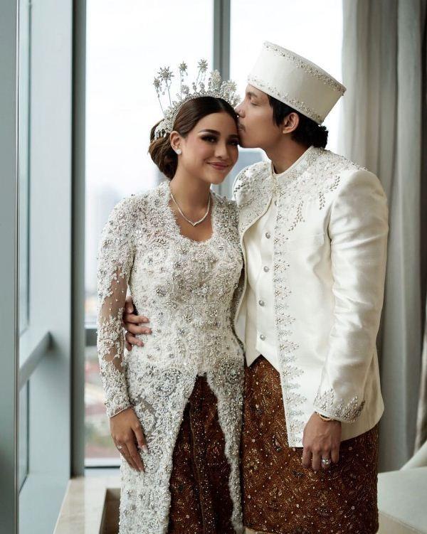Tetap Kerja & Buat TikTok, Ini Kegiatan Atta Aurel Sehari Usai Menikah