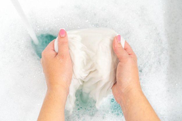 Ini 5 Tips Merawat Hijab Plisket Supaya Lipatannya Tahan Lama