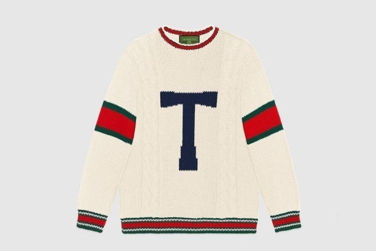#PopbelaOOTD: Tetap Kece saat Musim Hujan dengan Sweater Fancy