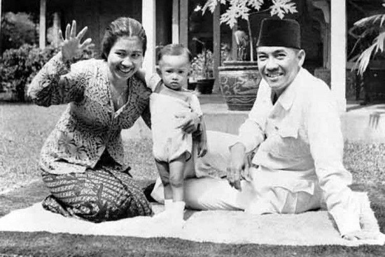 Mengenal Inggit Garnasih, Perempuan Tangguh di Balik Sosok Soekarno