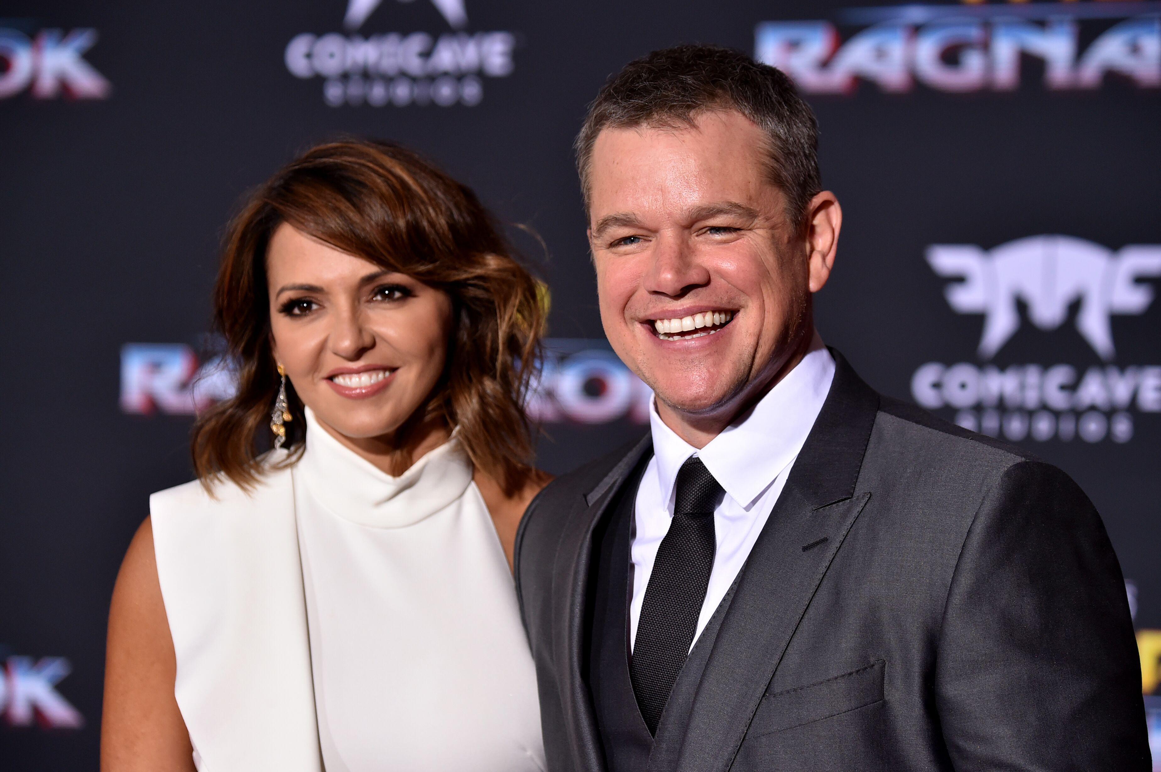 10 PasanganSeleb Hollywood Ini Buktikan Cinta Pandangan Pertama Ada!