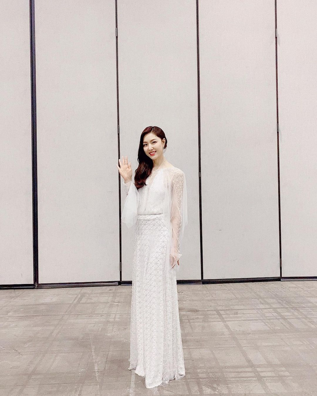 Intip Gaya Seo Ji Hye, Aktris Modis 'Pacar Baru' Kim Jung Hyun