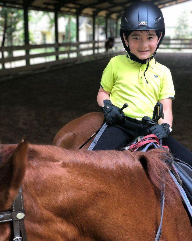 Rafathar dan 7 Anak Artis Lainnya yang Hobi Berkuda