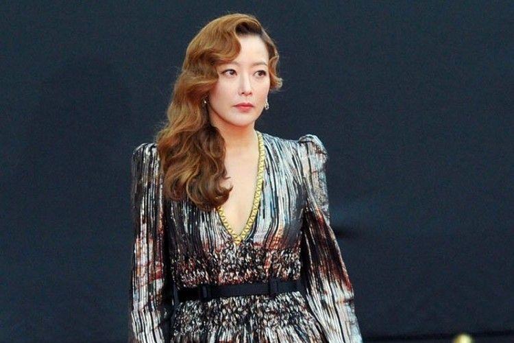 10 Artis Pemain Drama Korea yang Terkenal Modis dan Awet Muda