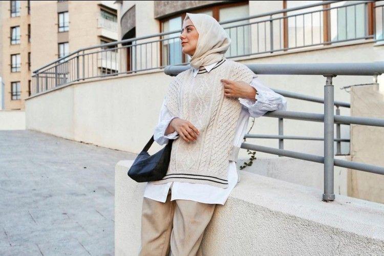 Tips Padu-padan Vest Rajut untuk Cewek Hijab, Kekinian Banget!