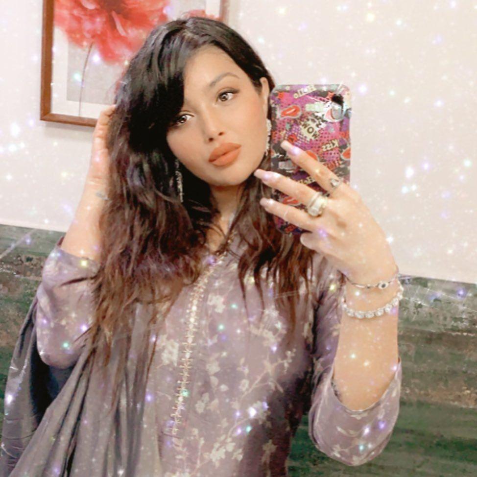 Nggak Banyak yang Tahu, 10 Artis Bollywood Ikut Jalani Puasa Ramadan