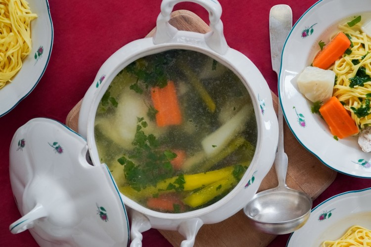 10 Menu Buka Puasa untuk Diet Sehat dan Nggak Bikin Perut Buncit