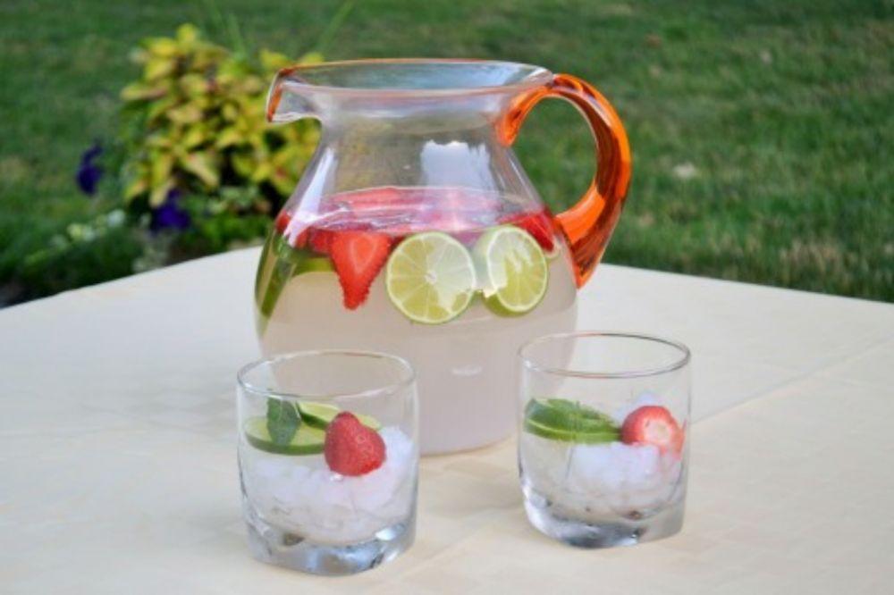 5 Kreasi Minuman Air Kelapa Muda Segar yang Cocok untuk Buka Puasa