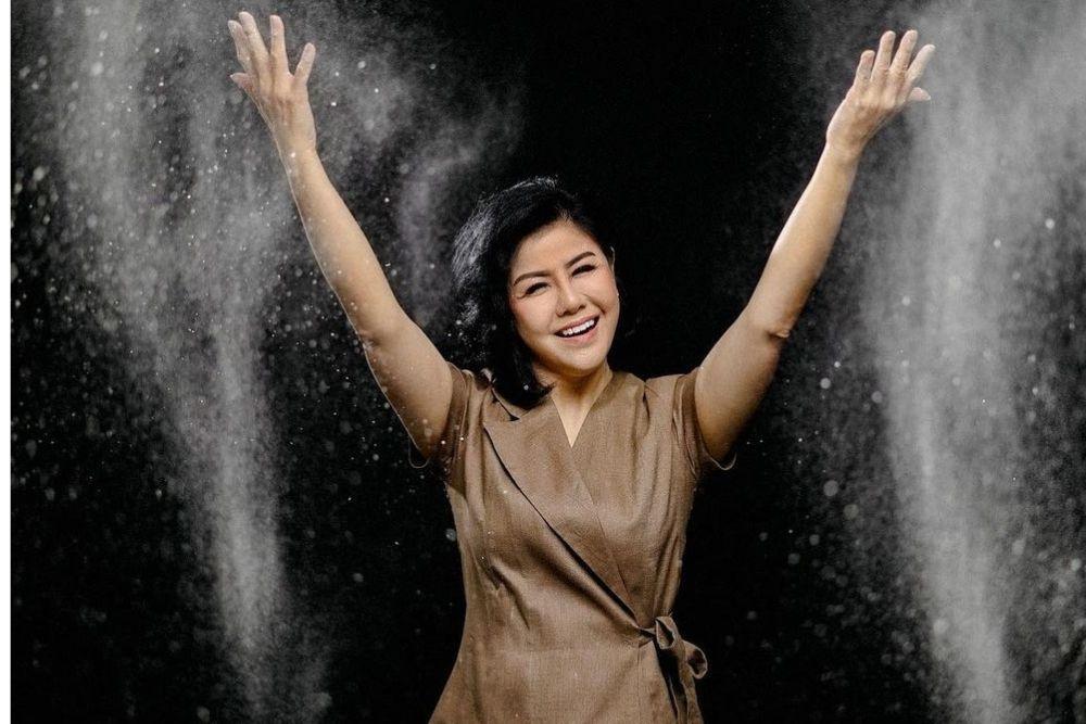 Potret Desiree Tarigan, Ibu Bams eks 'Samsons' yang Hobi Bikin Kue