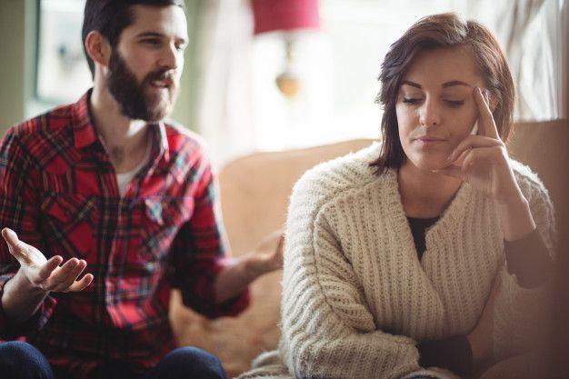 Jangan Emosi, Ini 9 Cara Menghadapi Pacar yang Over Protektif