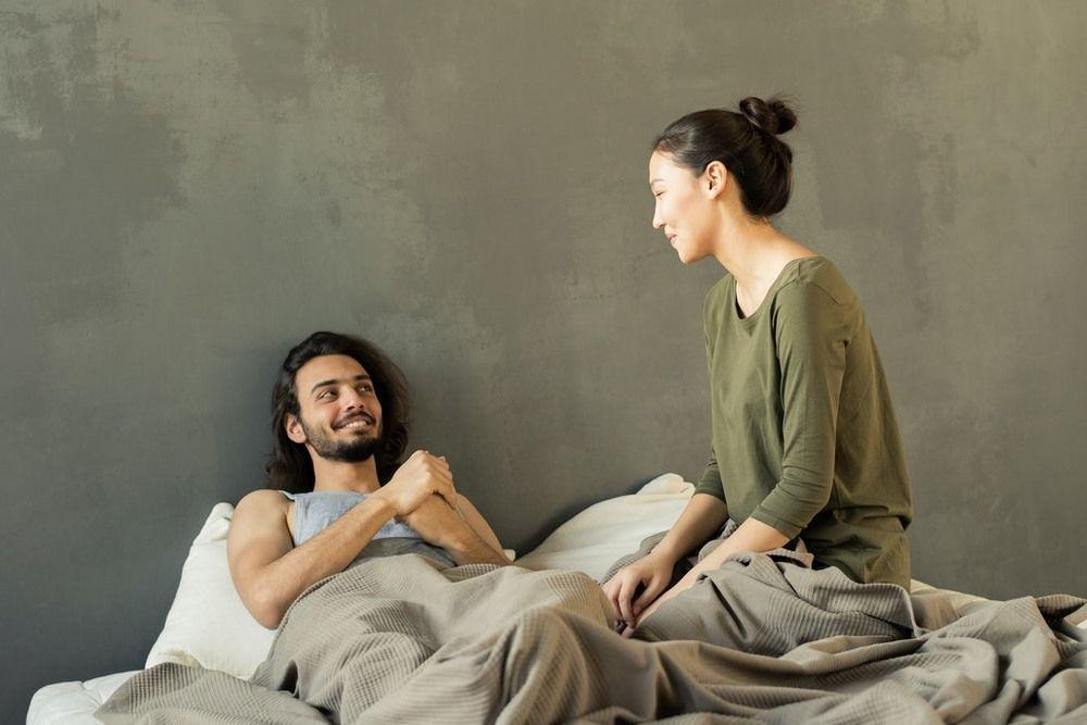 10 Tips Membangun Komunikasi yang Sehat dengan Pasangan