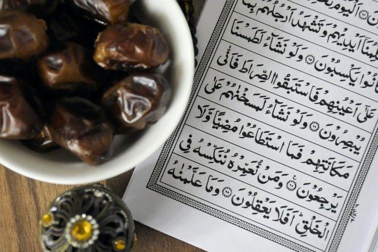 Siap Menjalani Ibadah, Ini Bacaan Niat Puasa Ramadan dan Doa Sahur