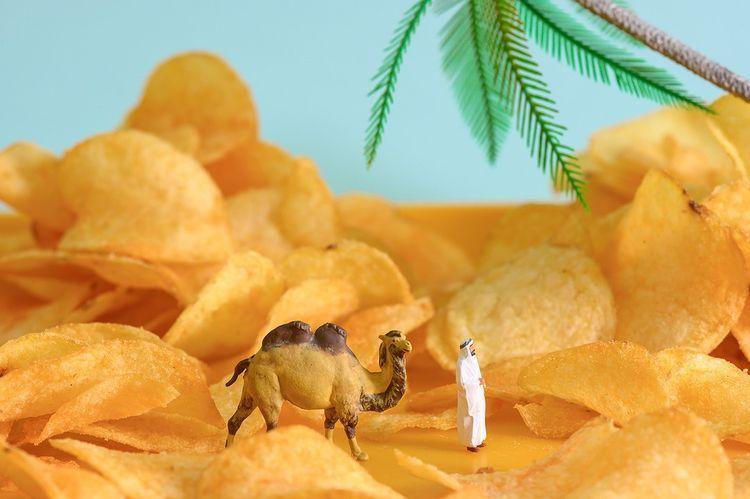 Unik dan Menggemaskan, Dunia Miniatur Ini Dibuat dari Makanan