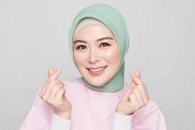Senyum Bikin Meleleh, Intip Pesona Selebgram Korea Berhijab
