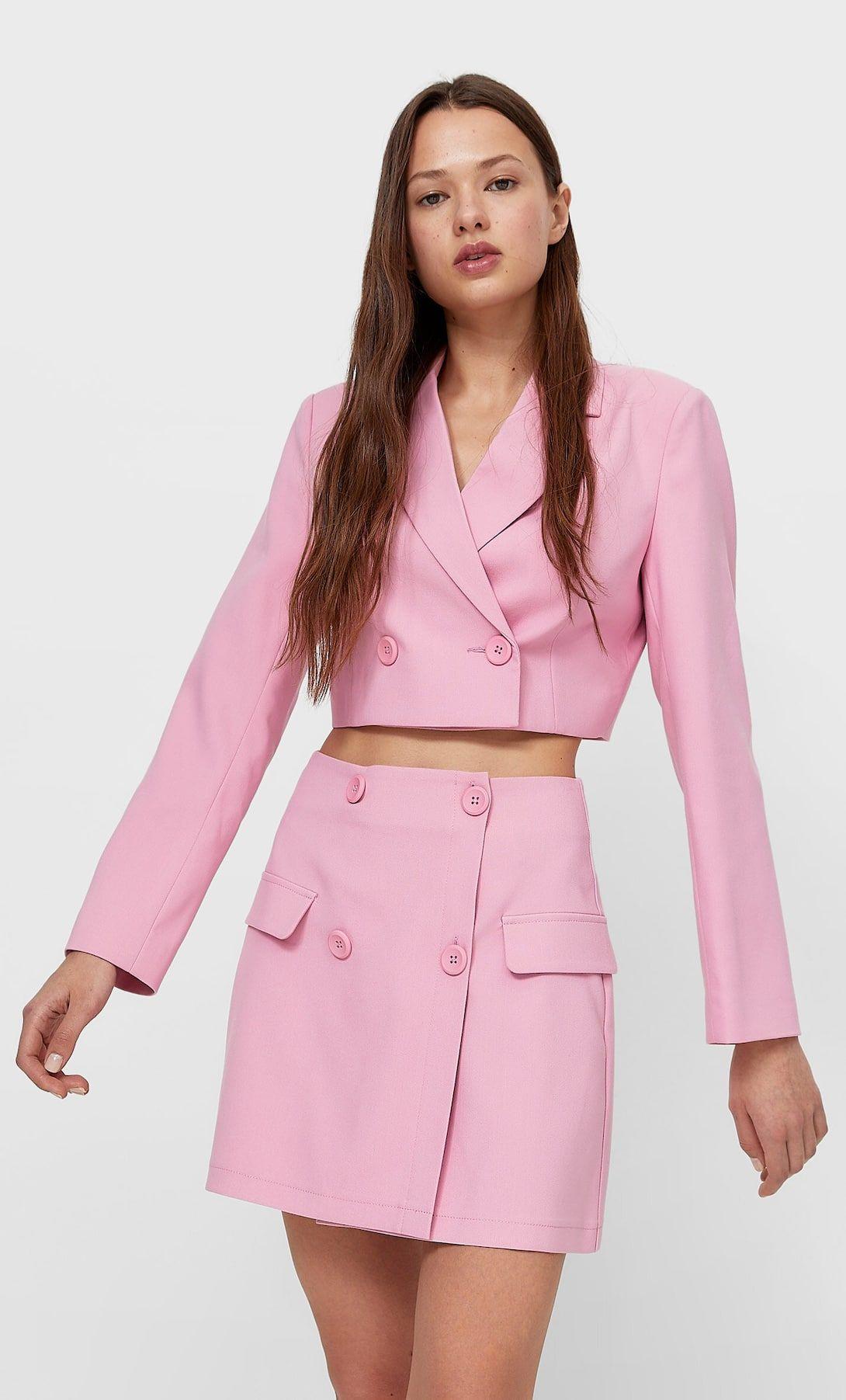 #PopbelaOOTD: Tampil Feminin dengan Rok Mini Warna Pink